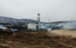 Репортерская группа «Вечорки» работает на месте пожара в Антипихе — пожарным почти удалось ликвидировать возгорание