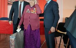 В селе Цаган-Ола ветеранам тыла вручили юбилейные медали