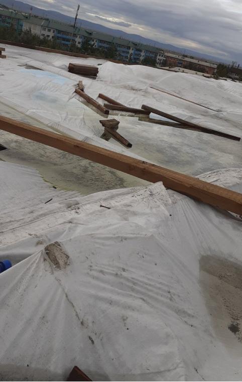 Управляющую компанию в Могоче привлекли к ответственности за протекающую кровлю здания