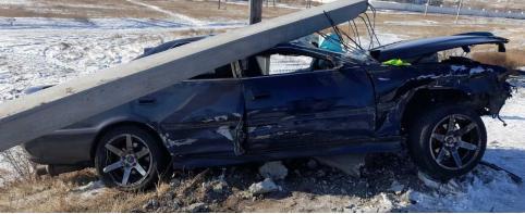 Родился в рубашке: водитель в Борзе выжил после того, как столкнулся с грузовиком и врезался в столб