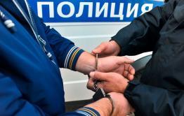 Пенсионера, решившего потаксовать из-за низкой пенсии, задержали сотрудники полиции в Карымском