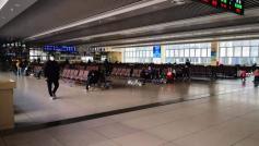 Так выглядит сегодня центральный вокзал Шанхая. До коронавируса там мандарину негде было упасть, ведь Шанхай – крупнейший город Китая с населением около 25 млн. чел.