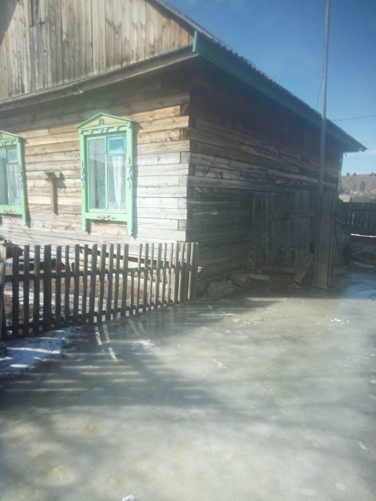 В Карымском районе ключ затопил дом
