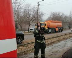 Только что из ада. Один из героев-пожарных, тушивших сегодня, 20 октября торговый центр на Большом острове в Чите.
