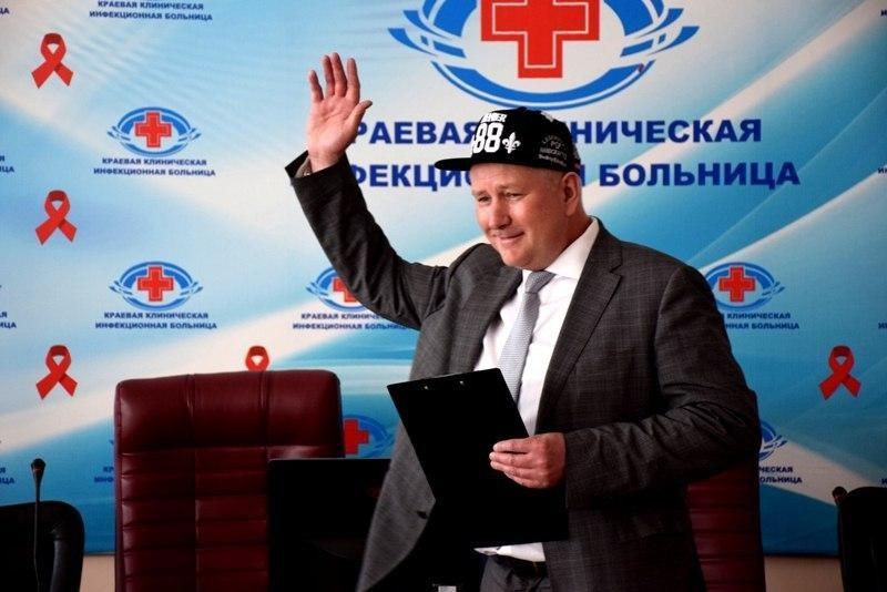 Главврач забайкальской инфекционной больницы зачитал рэп для женщин