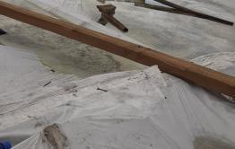 В квартирах читинцев, чьи дома пострадали от ураганного ветра, льют «тропические ливни» (видео)