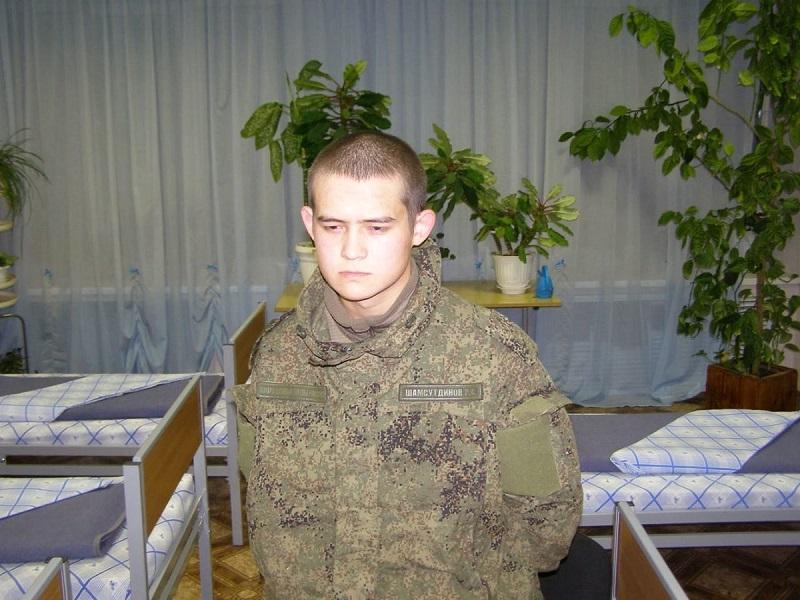 Отец Шамсутдинова рассказал о ночных издевательствах в воинской части в Горном