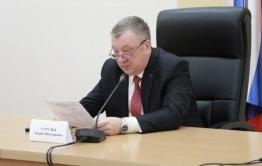 Зампред правительства края Гурулев отвечает на вопросы о самоизоляции в прямом эфире