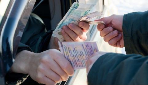 Экс-сотрудника ГИБДД в Краснокаменске приговорили к реальному сроку за взятки