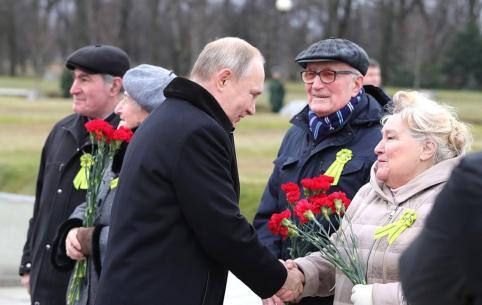 Победа-75: Ветераны получат по 75 000 рублей - Путин