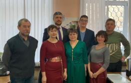 Трепещите, мыши: Новогодние поздравления от сотрудников «Вечорки» и губернатора в формате колонки редактора