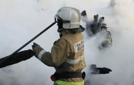 Пожарные обнаружили труп мужчины на пожаре жилого дома в Чите