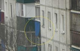 В Чите военные восстановили окна и балкон дома, куда попал снаряд вертолета