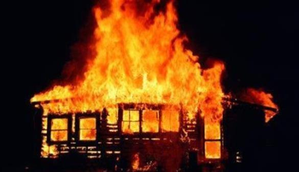 В МЧС назвали возможную причину пожара в многоквартирном доме в Дунаево