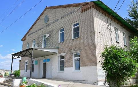 Работников Борзинской больницы отправили в вынужденные отпуска из-за долгов медучреждения
