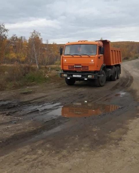 Администрация Первомайского снова начала вывозить кучи мусора на местный водозаборник