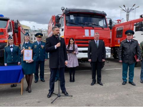 Новую пожарно-спасательную технику вручили боевым расчетам МЧС в Забайкалье