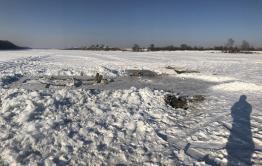 Мусор остался на реке Нерча возле поселка Заречный после крещенских купаний