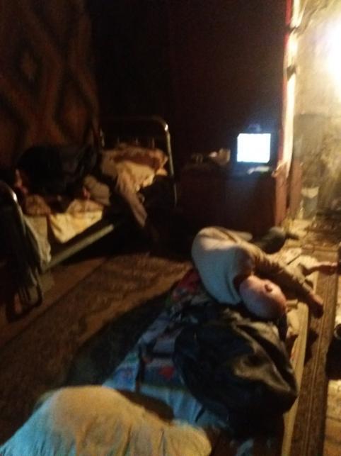 Поселившиеся по соседству с читинкой бомжи чуть не спалили дом окурком сигареты
