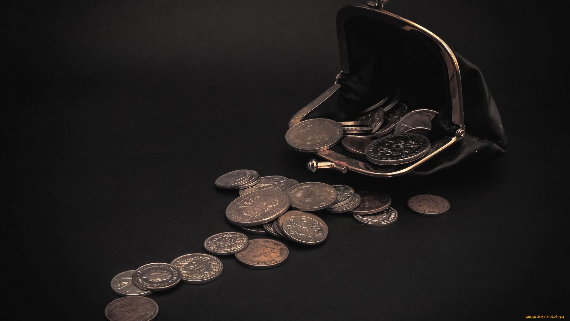 В Чите грабитель отобрал у пенсионера кошелек с пятью рублями