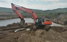 «Вечорка» работает в Нуринске, где «Спецстрой» убивает озеро (видео)
