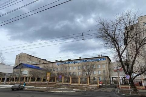 Пациент горбольницы в Чите избил медсестру, после чего вышел в окно