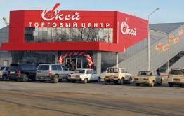 В Краснокаменске подростки после закрытия ТЦ пытались украсть одежду