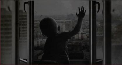 Следственный комитет России призывает граждан быть внимательными в связи с участившимися случаями травмирования детей при выпадении из окон
