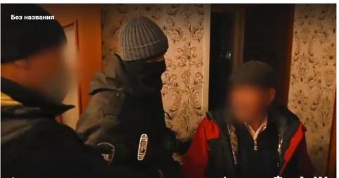 Сотрудник Борзинской администрации прикарманил почти 2 млн рублей и на них купил машину (видео)