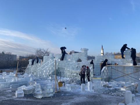 Сапожников пообещал подготовить город к Новому году раньше 15 декабря