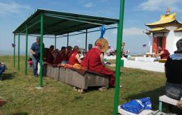 В Чите буддисты проводят обряд на Титовской сопке