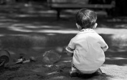 Микроавтобус проехал по двухлетнему ребёнку в Чите (видео)
