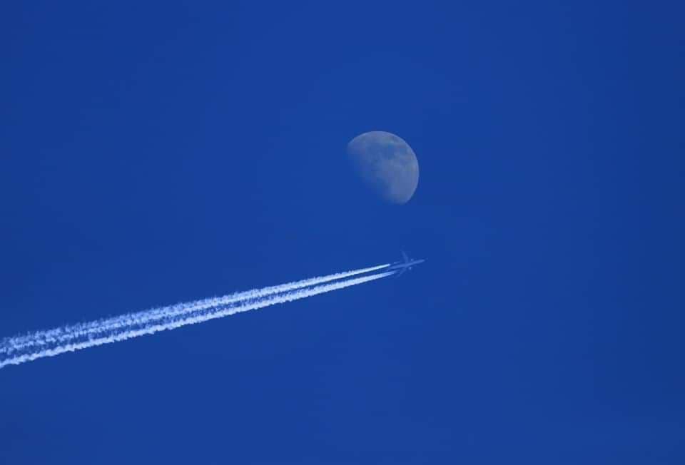 """Рейс """"Сеул - Лондон"""" пролетает над Читой. Фото Виктории Михайлюк. 22 февраля"""