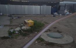 Жители Карымского пожаловались на горы мусора в центре поселка