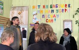 Александр Осипов посетил соцобъекты в Новокручининском
