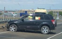 Водитель иномарки, врезавшись в ограждение федеральной трассы в Борзе, сбежал с места ДТП