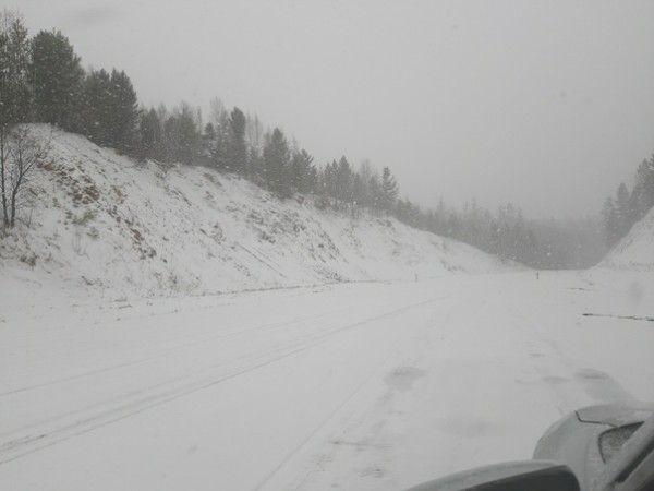 Три участка трассы Чита — Иркутск завалило снегом