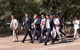 Осипов подобрал обертку от мороженого за журналистом