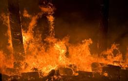 Следком возбудил уголовное дело о халатности во время тушения стоянок, где сгорело 360 голов скота