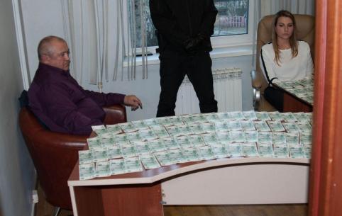 Главврача Приаргунской ЦРБ, задержанного за взятку, отправили под домашний арест
