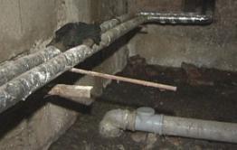 Канализация уже два дня заливает  подвал дома в Шара-Горохоне