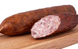 Китаец попытался ввезти в Россию колбасу с вирусом свиной чумы