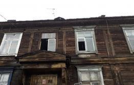 Упавший с крыши в Антипихе мужчина сломал ногу