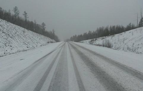 Водителей в Забайкалье из-за снега попросили быть осторожными на дорогах