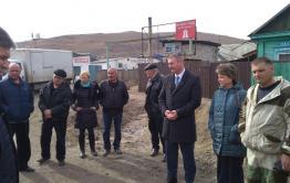 Сапожников встретился с жителями Острова, страдающими от угольной пыли местного склада