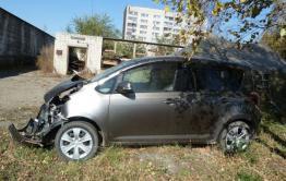 В Читинском районе девушка угнала у знакомого машину и попала в ДТП