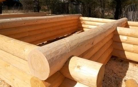 25-летний забайкалец украл деревянный сруб и построил из него гараж