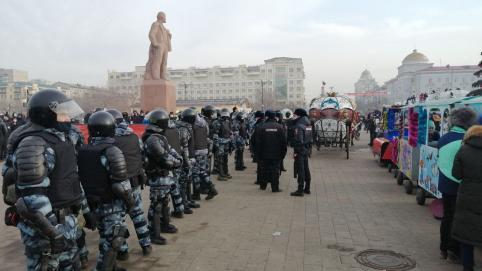 Полиция пришла с предупреждением к корреспонденту «Вечорки» из-за работы на митинге в поддержку Навального