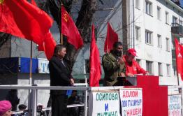Коммунисту из Сретенска грозит наказание за плакат с требованием отставки Путина и Осипова