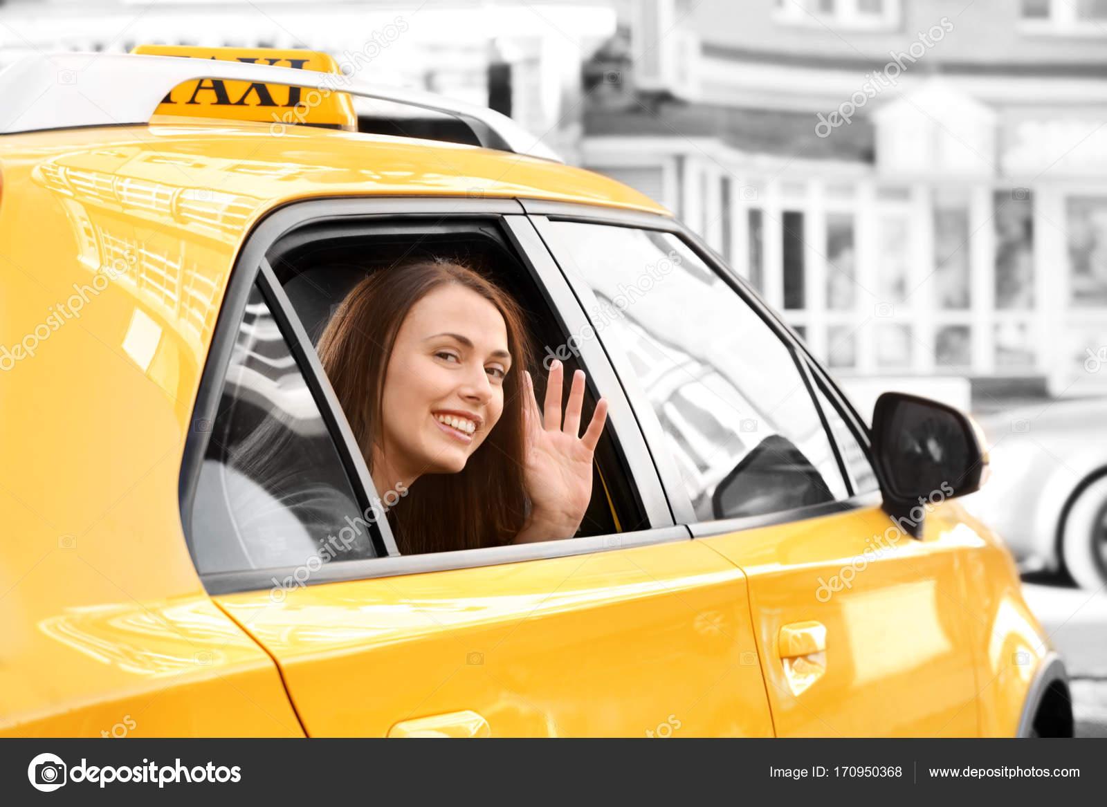 Читинка, не дождавшись таксиста из магазина, угнала его машину и уехала домой